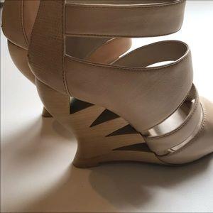 Donald J. Pliner Shoes - Donald J. Plainer Wedge